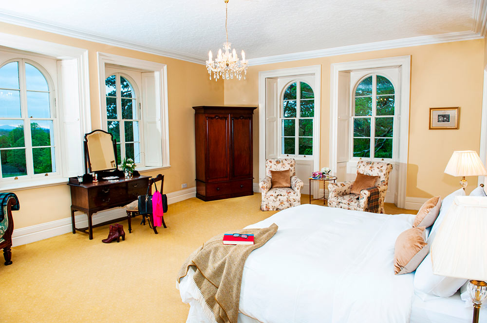 Coolclogher Cream Master Bedroom
