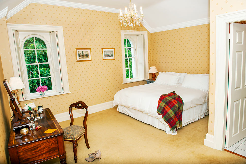 Coolclogher Gold Bedroom