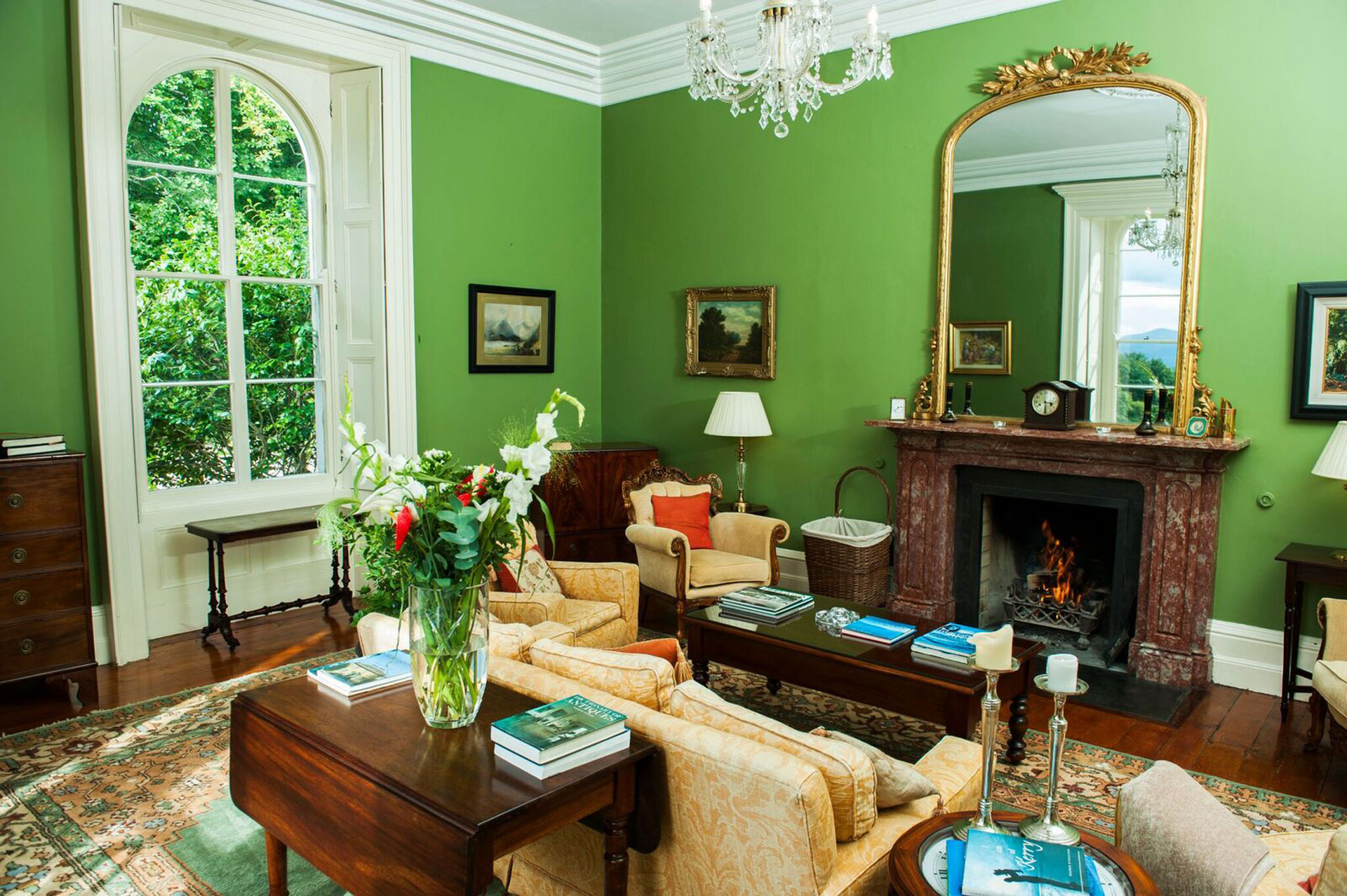 green-sitting-room